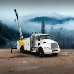 ORO 14M6 mechanic truck body in white, curb side closed with Stellar® 12630 telescopic mechanic crane up in the air on a Kenworth T370 chassis.