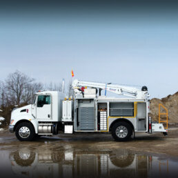 ORO 12M6 mechanic truck body in white, street side with compartments open on Kenworth T370 chassis and a Stellar 7630 telescopic crane and an ORO 2LD mobile lubrication deck.